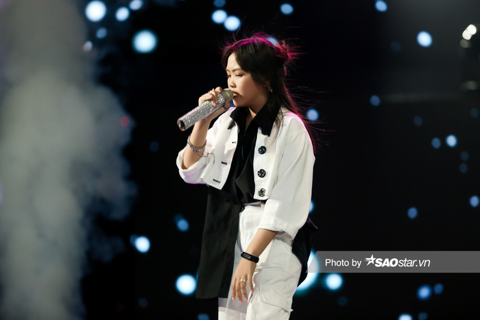 Tập 7 Giọng hát Việt nhí New Generation: Minh Thư - Mai Khôi 'gây bão' vì tiết mục lấy nước mắt khán giả Ảnh 3
