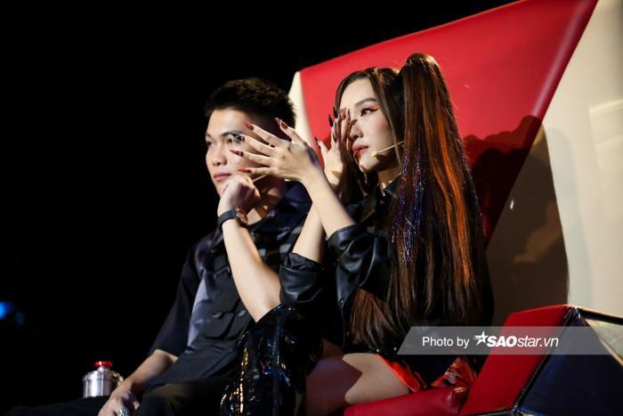 Tập 7 Giọng hát Việt nhí New Generation: Minh Thư - Mai Khôi 'gây bão' vì tiết mục lấy nước mắt khán giả Ảnh 5