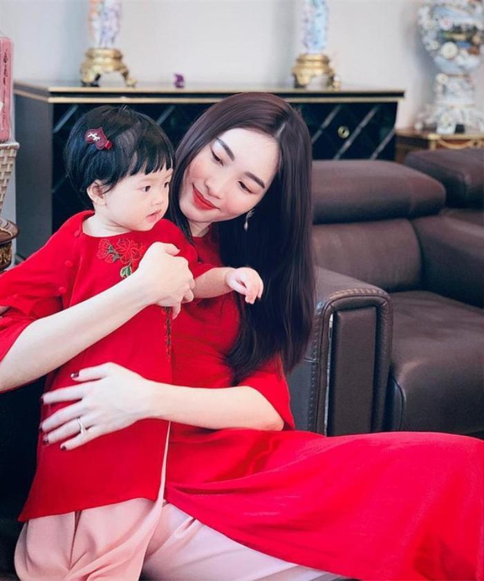 3 'nữ hoàng nhan sắc' Lan Khuê - Thúy Vân - Đặng Thu Thảo làm dâu nhà hào môn, hạnh phúc viên mãn Ảnh 6