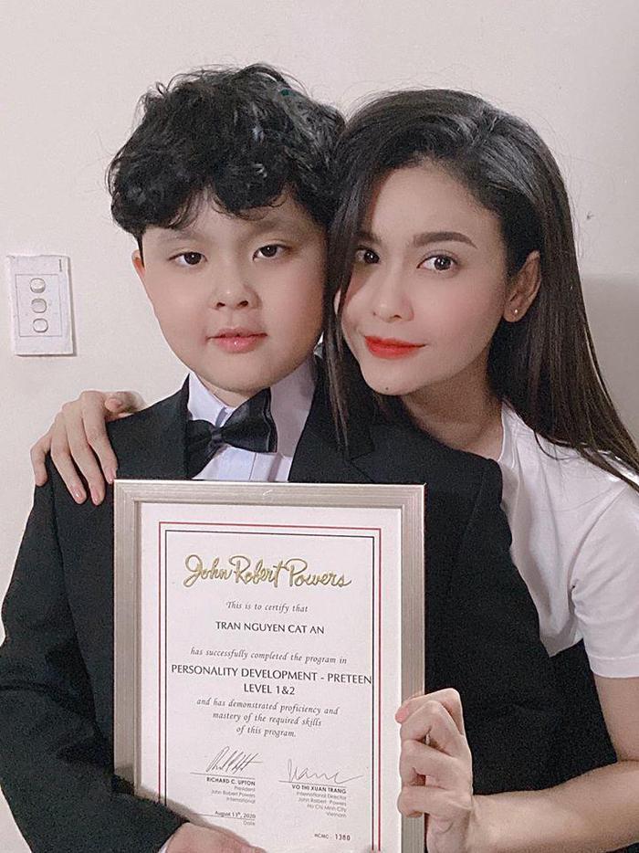 Trương Quỳnh Anh chia sẻ sau khi xem clip bé 2 tuổi té khỏi lan can: 'Nếu là mẹ em ấy chắc xỉu luôn quá' Ảnh 2