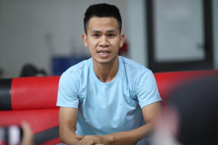Hóa ra 'người hùng' Nguyễn Ngọc Mạnh cứu em bé 3 tuổi rơi chung cư từng xuất hiện trong sách giáo khoa Ảnh 1