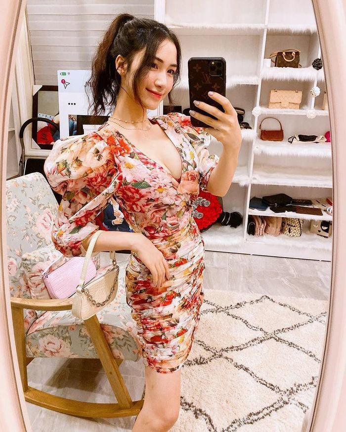 Mua cả lố váy xinh xắn nhưng Hòa Minzy vẫn phải thanh lý giá rẻ vì lỗi ngờ nghệch Ảnh 2