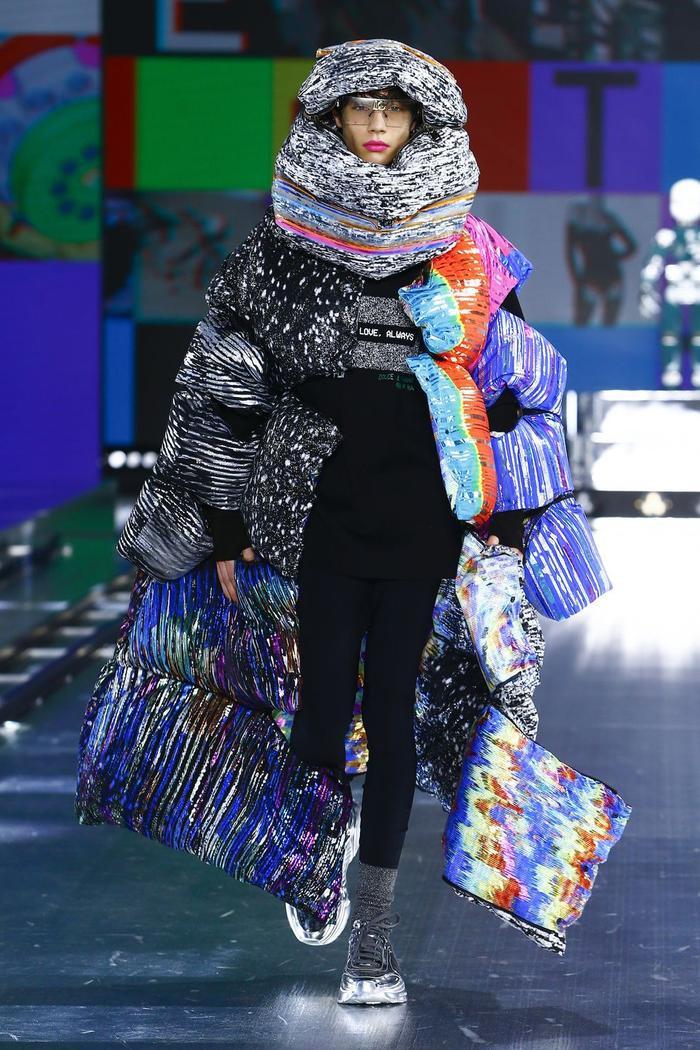 Dolce & Gabbana kết hợp sàn catwalk với trí tuệ nhân tạo Ảnh 6