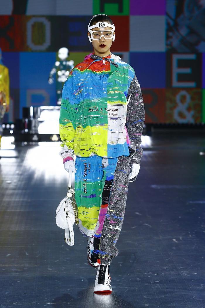 Dolce & Gabbana kết hợp sàn catwalk với trí tuệ nhân tạo Ảnh 10
