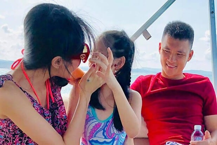 Lâu không lên sóng, con gái Công Vinh - Thủy Tiên đã 8 tuổi, để lộ vóc dáng cao gầy cực giống mẹ Ảnh 2