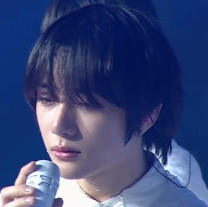 Beomgyu rơi nước mắt không ngừng vì lí do đặc biệt tại fan meeting TXT Ảnh 2