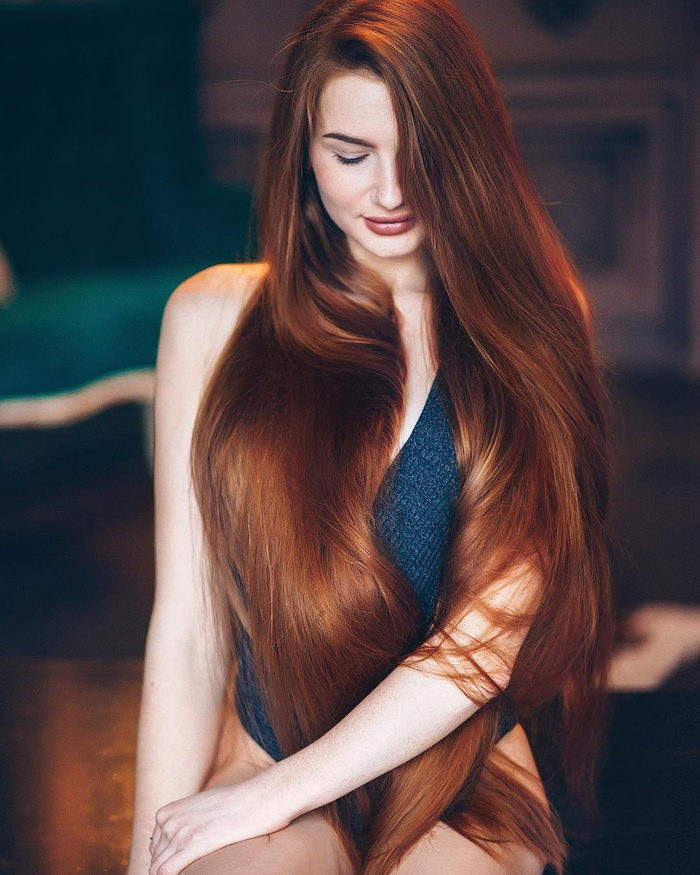 Cô gái từng mắc chứng rụng tóc suýt hói đầu được mệnh danh là 'Rapunzel người Nga' Ảnh 8