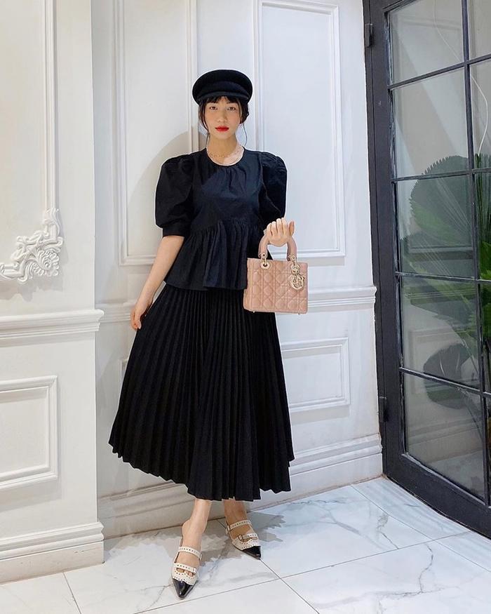 Hòa Minzy có 1001 bí kíp thời trang giấu bụng, sinh con rồi mà vẫn như gái 18 Ảnh 3