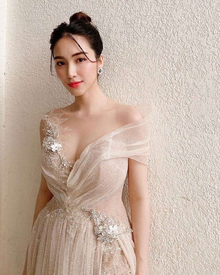 Hòa Minzy có 1001 bí kíp thời trang giấu bụng, sinh con rồi mà vẫn như gái 18 Ảnh 5
