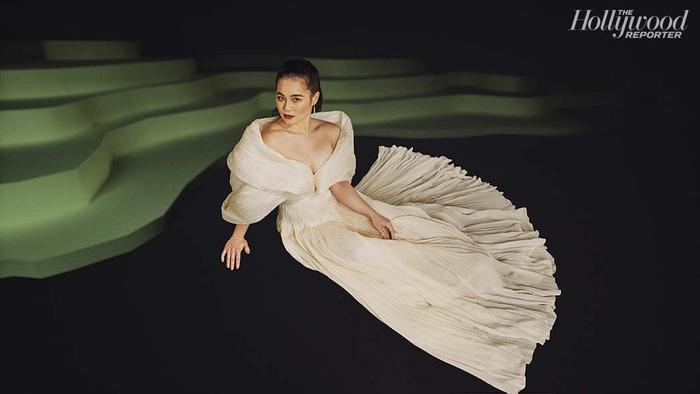 Ngôi sao loạt bom tấn Star Wars, công chúa Disney gốc Việt tỏa sáng trong trang phục Công Trí Ảnh 1