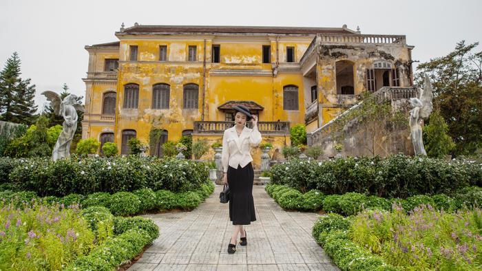 Jun Vũ diện 8 bộ váy cho 'vai phụ không thoại' ở Gái già lắm chiêu V Ảnh 3