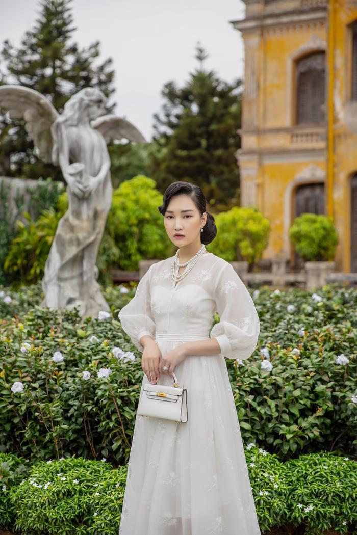 Jun Vũ diện 8 bộ váy cho 'vai phụ không thoại' ở Gái già lắm chiêu V Ảnh 12