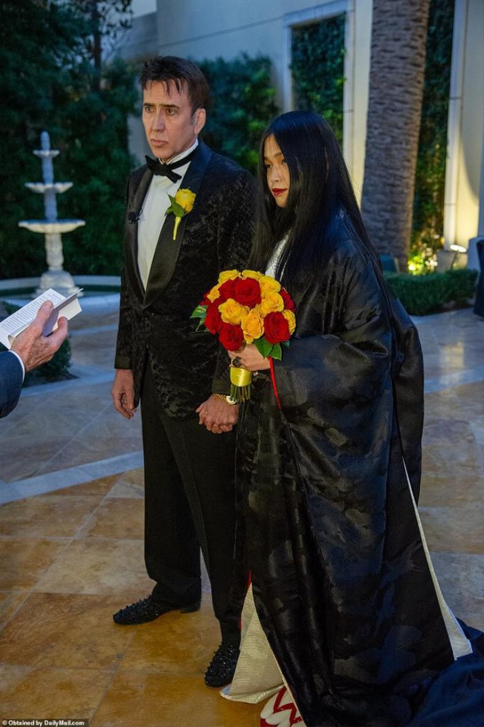 Tài tử Nicolas Cage tiếp tục cưới vợ lần thứ 5: Cách biệt tuổi tác mới là điều khiến fan bất ngờ Ảnh 5