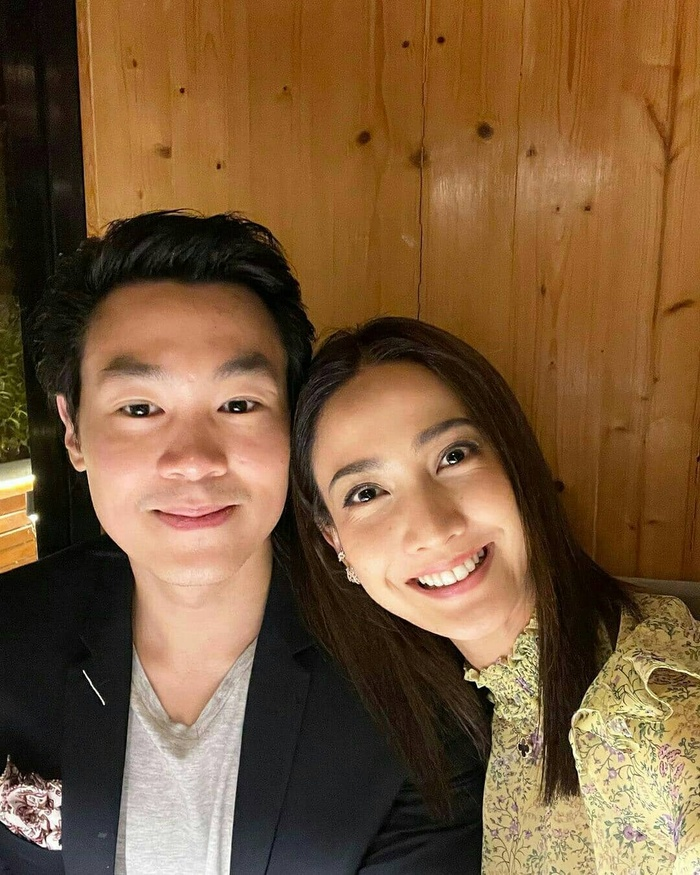 Taew Natapohn khoe ảnh tình tứ kỉ niệm 10 tháng yêu nhau bên cạnh bạn trai đại gia Ảnh 5