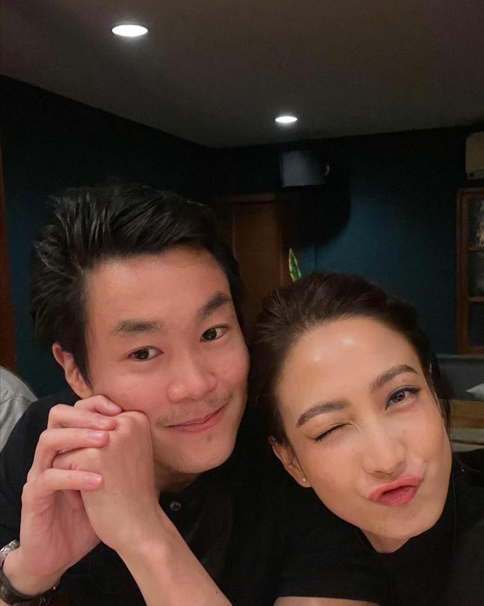 Taew Natapohn khoe ảnh tình tứ kỉ niệm 10 tháng yêu nhau bên cạnh bạn trai đại gia Ảnh 6