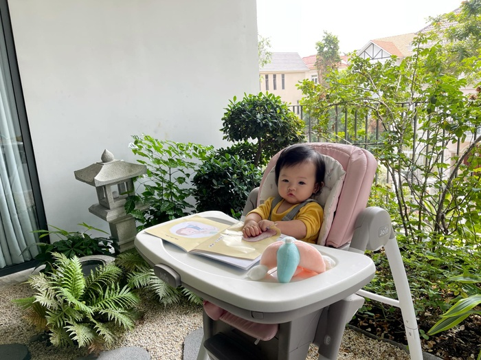 Nhóc tì sao Việt mới tí tuổi đầu đã 'chăm học', con gái Đàm Thu Trang siêu 'bá đạo' Ảnh 6