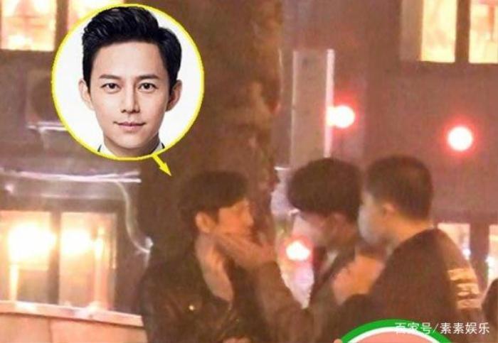 Nam MC nổi tiếng xứ Trung gây chú ý vì cử chỉ thân thiết với người con trai lạ mặt Ảnh 4