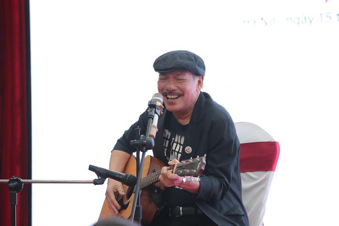 Nhạc sĩ Trần Tiến hội ngộ cùng loạt ca sĩ đến từ 13 quốc gia trên thế giới hát về Ngày của mẹ Ảnh 3