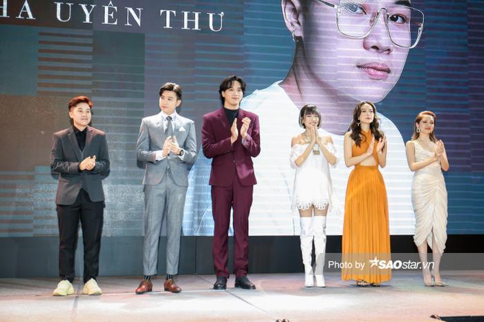 Họp báo 'Bẫy ngọt ngào': Chấn động với cảnh 18+ của Bảo Anh - Quốc Trường, Minh Hằng gợi cảm hút hồn fan! Ảnh 7