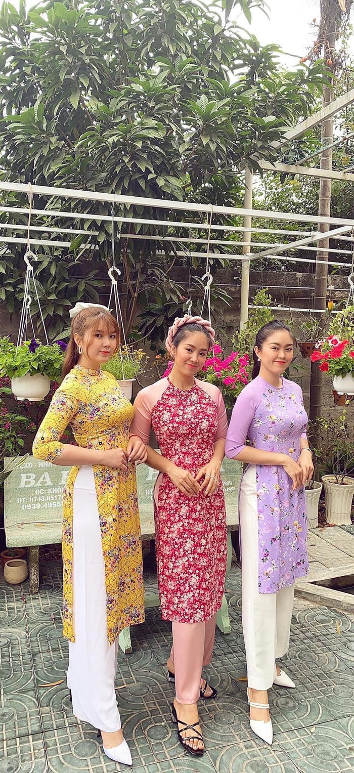 Lê Phương khiến dân tình trầm trồ khi khoe 2 cô em gái xinh như hot girl Ảnh 4
