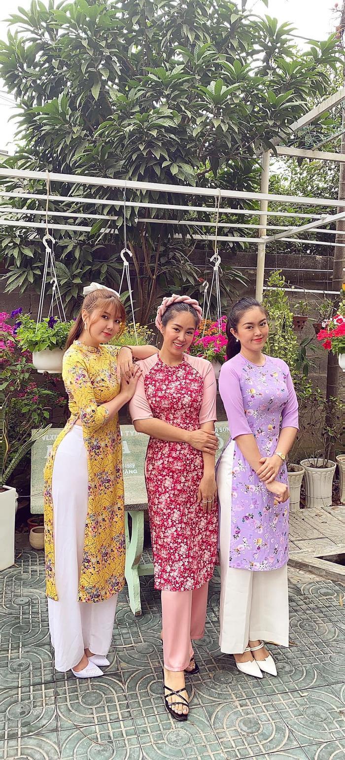Lê Phương khiến dân tình trầm trồ khi khoe 2 cô em gái xinh như hot girl Ảnh 5