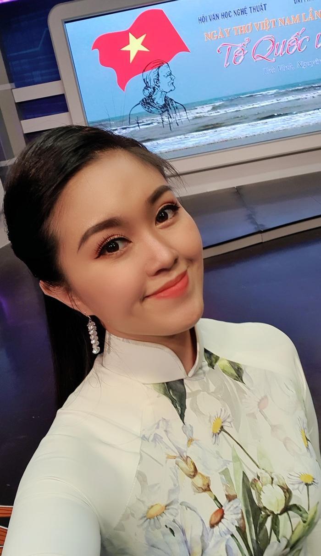 Lê Phương khiến dân tình trầm trồ khi khoe 2 cô em gái xinh như hot girl Ảnh 6