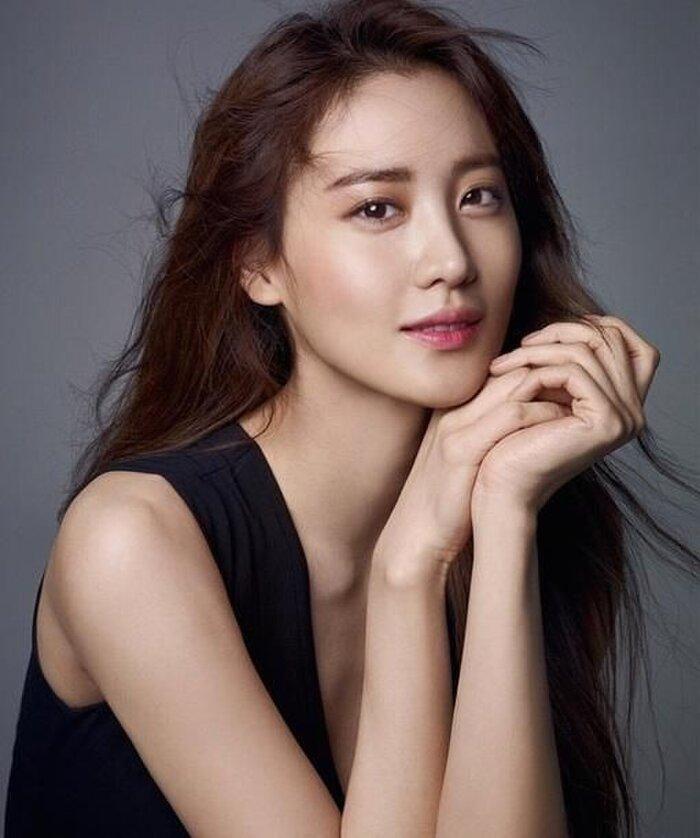 Nữ diễn viên Claudia Kim ký hợp đồng với YG Entertainment Ảnh 2