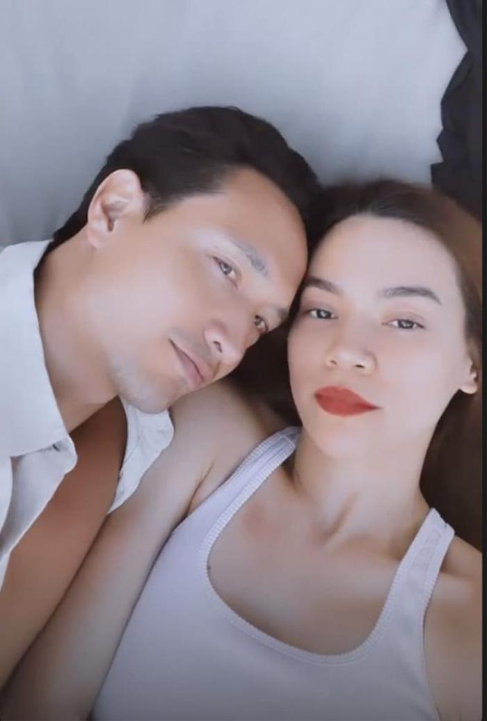 Rần rần đoạn clip Hà Hồ - Kim Lý liên tục hôn nhau: 'Cẩu lương này chất lượng quá' Ảnh 1