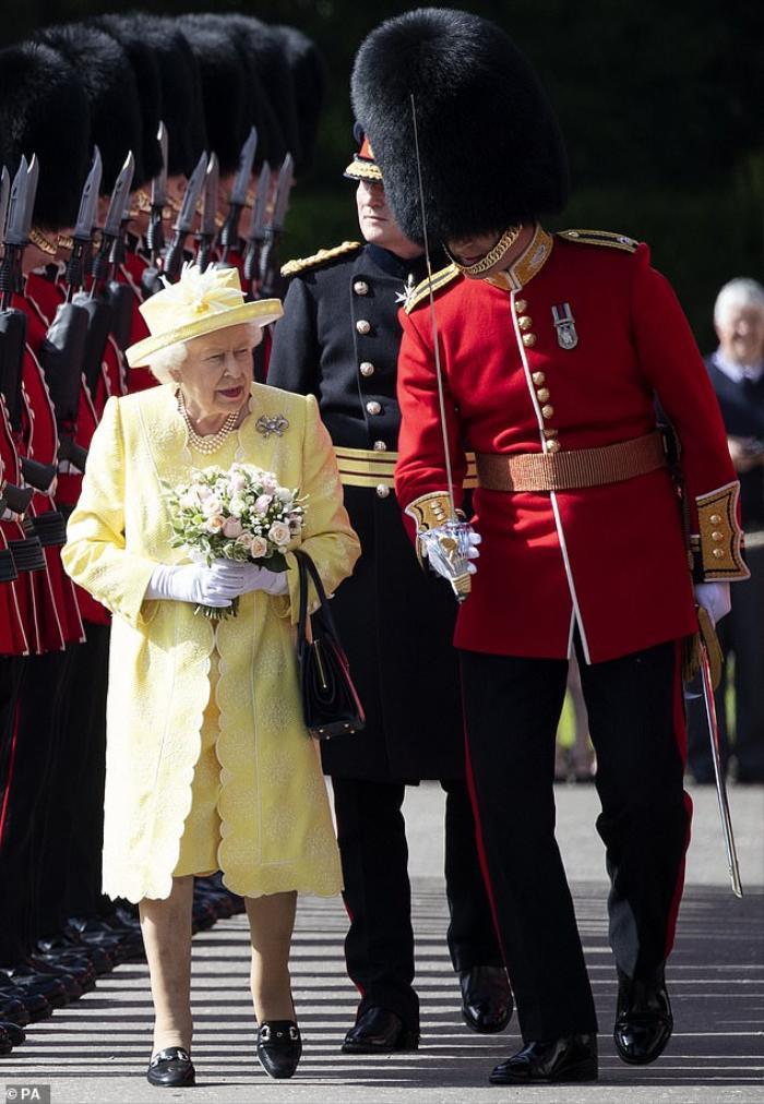 Bí ẩn tủ đồ Hoàng gia: Những khoảnh khắc thời trang Hoàng gia khiến dân tình phát sốt Ảnh 5