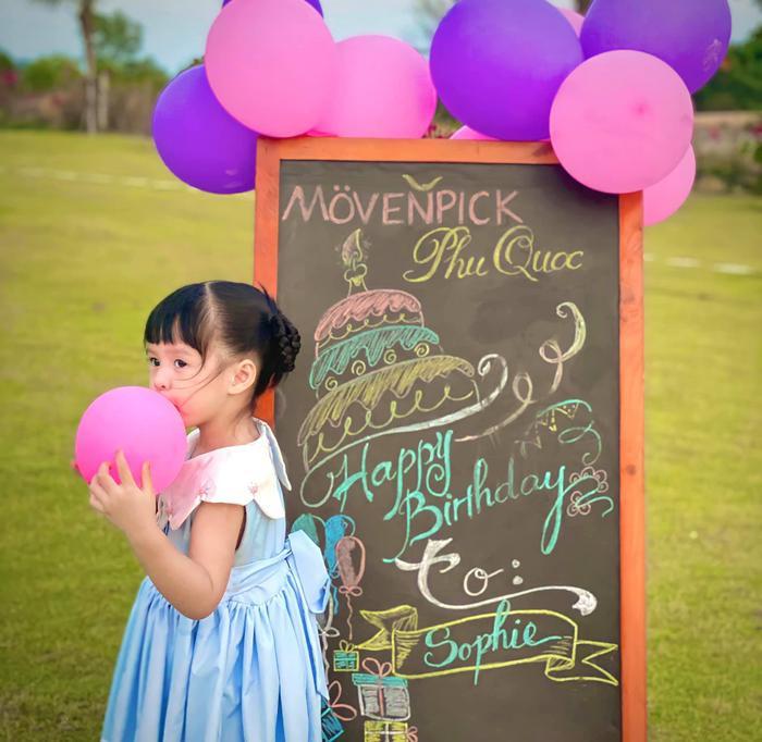 Hoa hậu Đặng Thu Thảo chúc mừng sinh nhật con gái: Bé Sophie đáng yêu hết phần thiên hạ! Ảnh 4