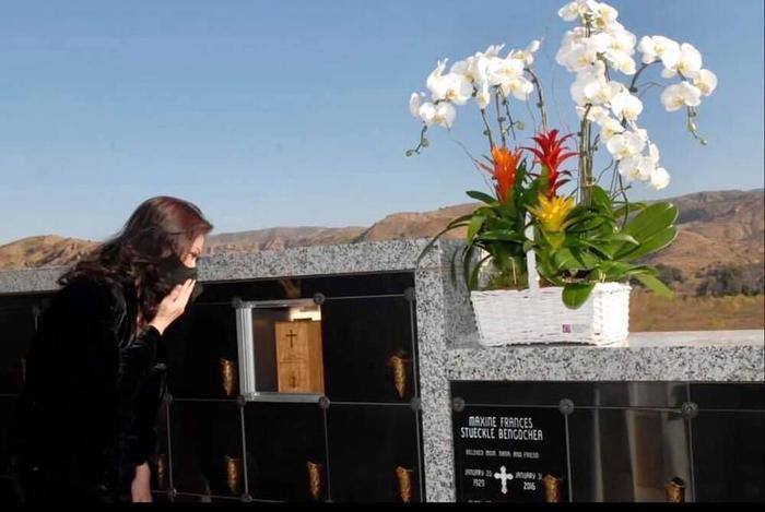 Chị 'Bé Heo' cùng Thúy Nga, Hoài Tâm dự thánh lễ tưởng nhớ 100 ngày mất của cố nghệ sĩ Chí Tài Ảnh 5
