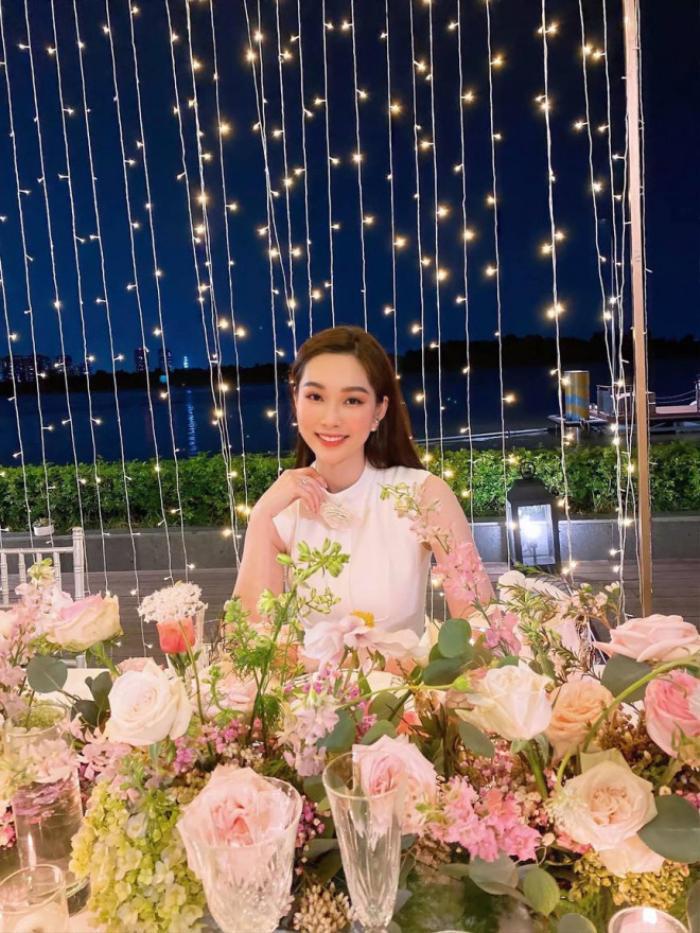 Hoa hậu Thu Thảo hiếm hoi xuất hiện, tăng cân nhưng càng nhuận sắc, mặn mà hơn Ảnh 2