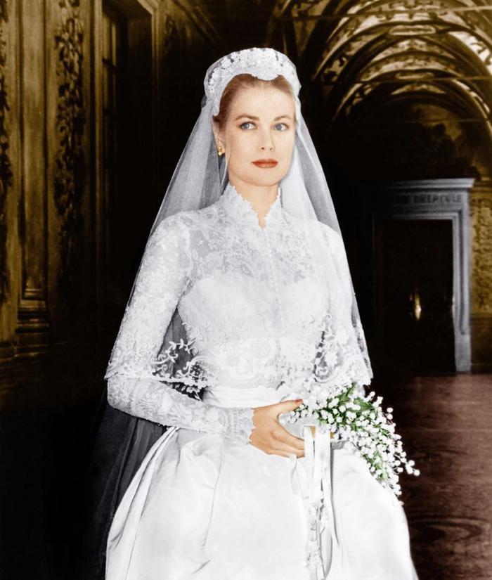 Bí ẩn tủ đồ Hoàng gia: 13 chiếc váy cưới Hoàng gia mang tính biểu tượng thế kỷ Ảnh 2