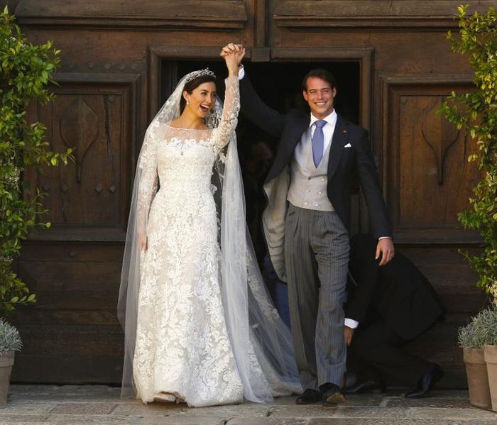 Bí ẩn tủ đồ Hoàng gia: 13 chiếc váy cưới Hoàng gia mang tính biểu tượng thế kỷ Ảnh 12