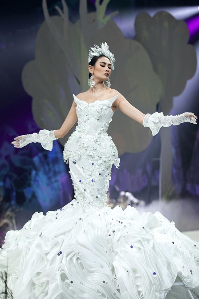 Siêu mẫu Việt Nam: Nơi sản sinh những tên tuổi vàng cho làng thời trang Việt Ảnh 2
