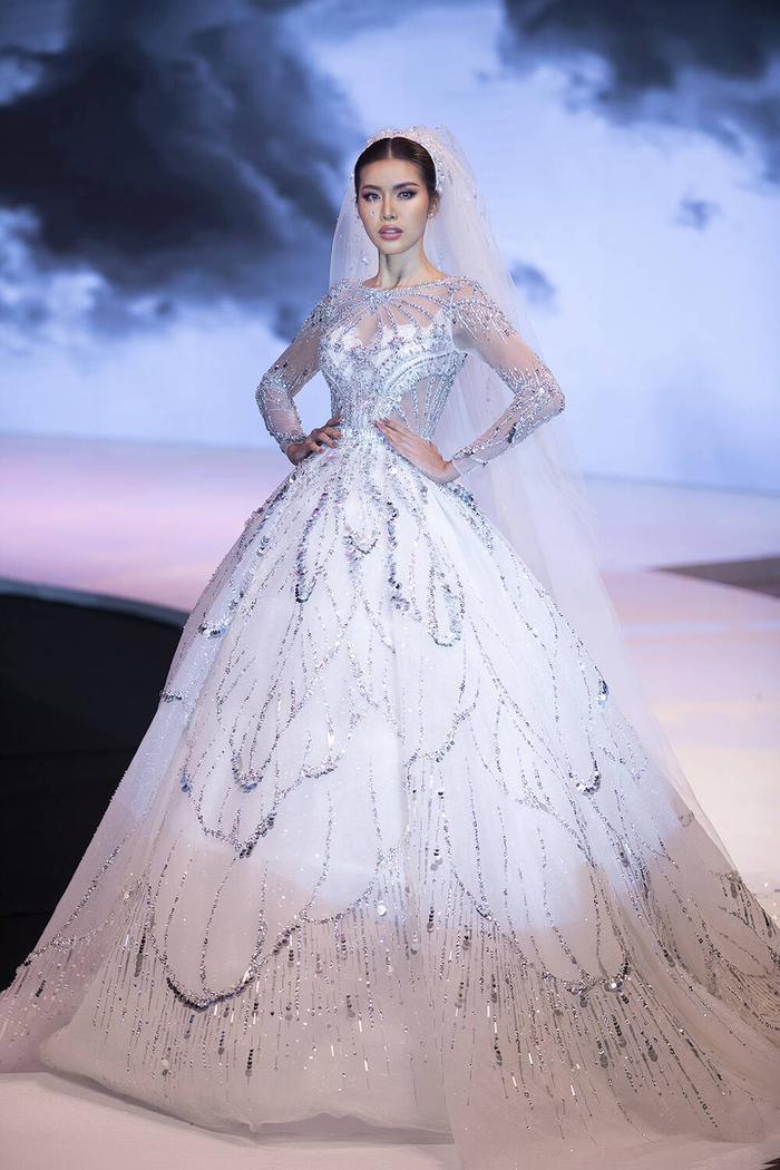 Siêu mẫu Việt Nam: Nơi sản sinh những tên tuổi vàng cho làng thời trang Việt Ảnh 7