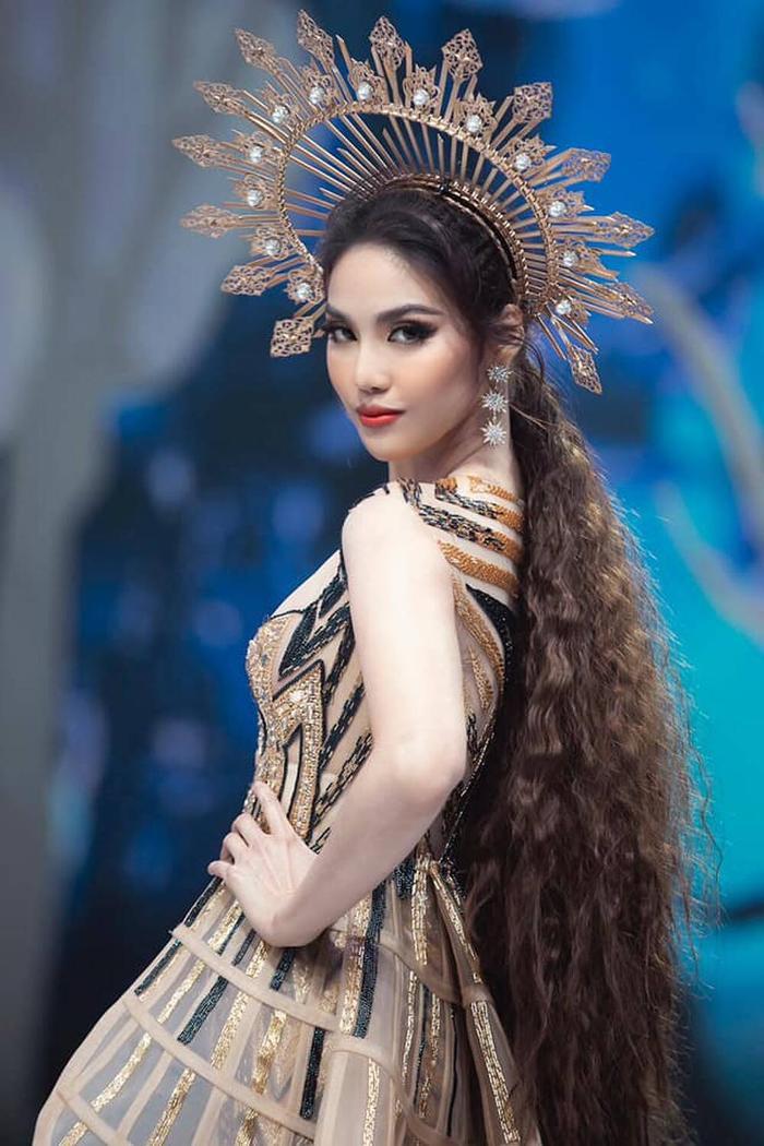 Siêu mẫu Việt Nam: Nơi sản sinh những tên tuổi vàng cho làng thời trang Việt Ảnh 12