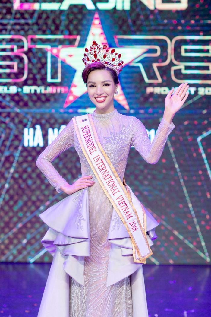 Siêu mẫu Việt Nam: Nơi sản sinh những tên tuổi vàng cho làng thời trang Việt Ảnh 13