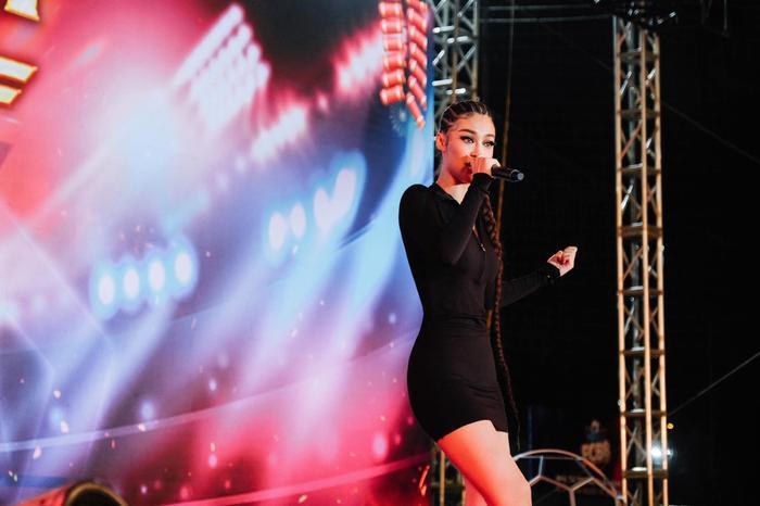 Bước ngoặt của Lona Kiều Loan sau King Of Rap: mang hình ảnh á hậu hát rap 'phủ sóng' sàn diễn thời trang Ảnh 6