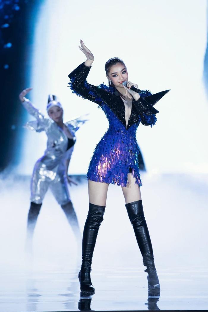 Bước ngoặt của Lona Kiều Loan sau King Of Rap: mang hình ảnh á hậu hát rap 'phủ sóng' sàn diễn thời trang Ảnh 20