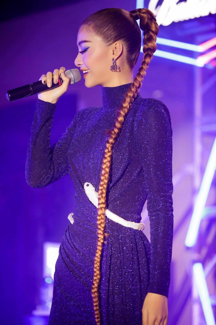Bước ngoặt của Lona Kiều Loan sau King Of Rap: mang hình ảnh á hậu hát rap 'phủ sóng' sàn diễn thời trang Ảnh 8