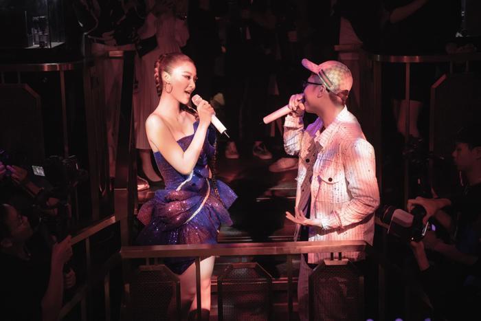Bước ngoặt của Lona Kiều Loan sau King Of Rap: mang hình ảnh á hậu hát rap 'phủ sóng' sàn diễn thời trang Ảnh 19
