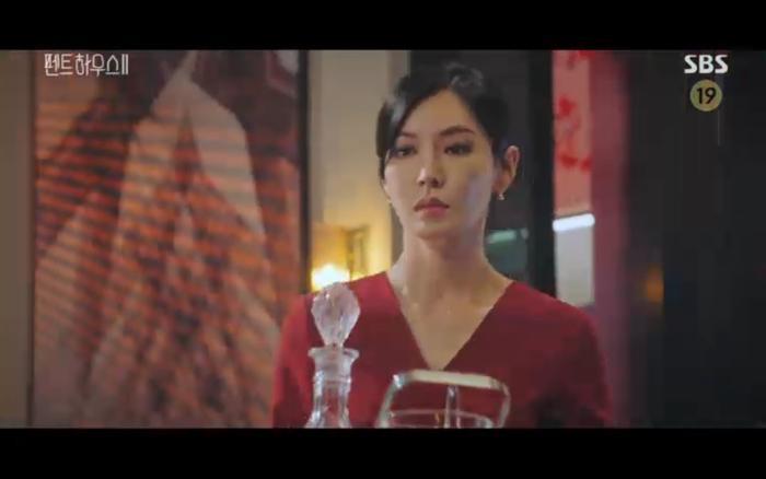 'Penthouse 2' tập 11: Ác nữ kết hợp trả thù, Shim Soo Ryeon công khai danh tính trở về Ảnh 34
