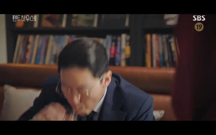 'Penthouse 2' tập 11: Ác nữ kết hợp trả thù, Shim Soo Ryeon công khai danh tính trở về Ảnh 35