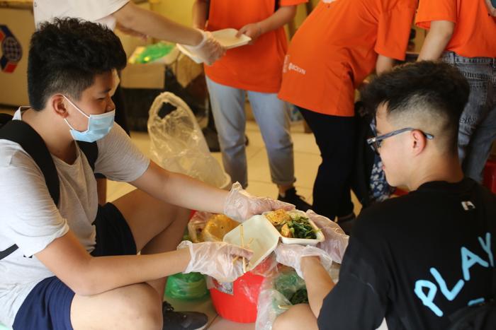 Chiến dịch 'giải cứu thức ăn' của học sinh Hà Nội: Khi điều kì diệu đến từ genZ Ảnh 7