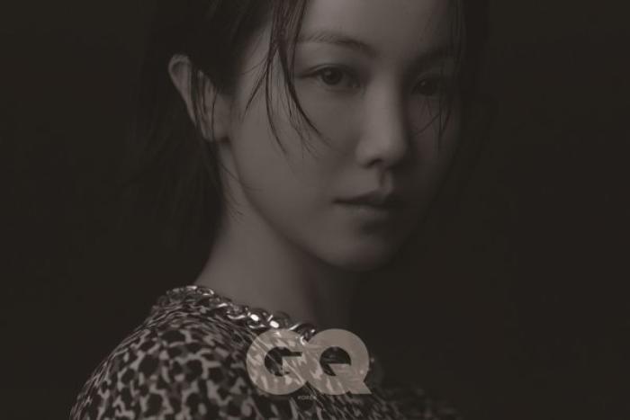Song Hye Kyo để tóc 'lả lơi', kém sắc sảo trước bạn gái tin đồn của Song Joong Ki! Ảnh 2