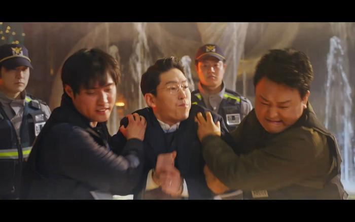 K-net trăn trở trước tập cuối 'Penthouse 2', sợ vui sớm biên kịch lại lật kèo Ảnh 6