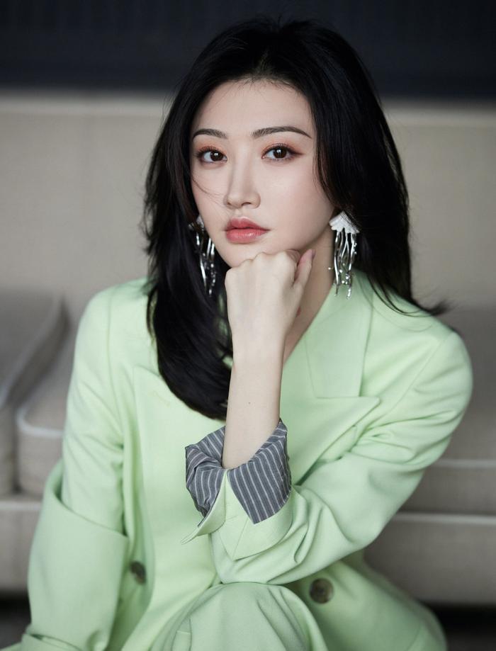 Vì sao fan không muốn Dương Tử hợp tác với Thành Nghị trong 'Trầm vụn hương phai'? Ảnh 3