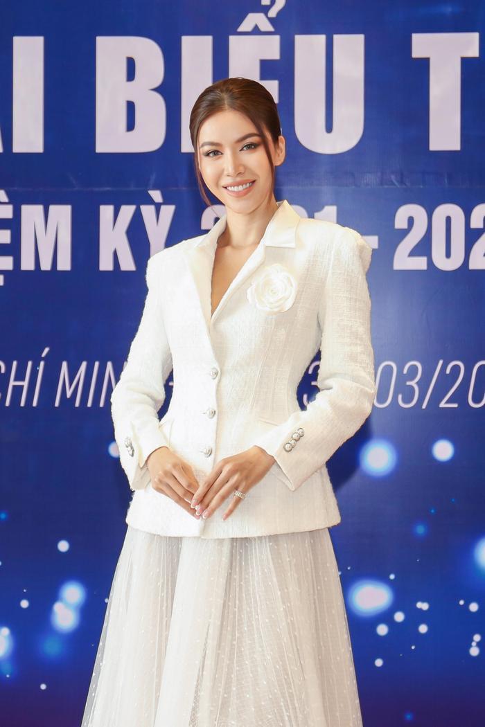 Lan Khuê - Minh Tú đối đầu phong cách tại Đại hội Hội người mẫu Việt Nam: Đẳng cấp Siêu mẫu là đây! Ảnh 6