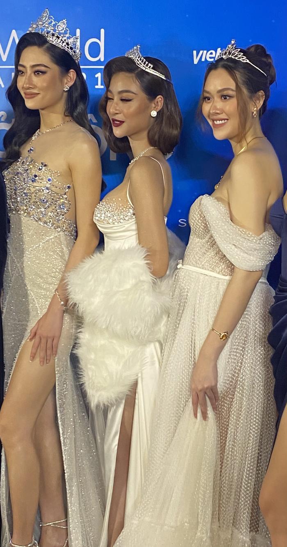 Á hậu Tường San diện váy bồng bềnh để lộ vòng 2 lùm xùm, fan chúc mừng 'chị đẹp' mang thai con đầu lòng? Ảnh 1